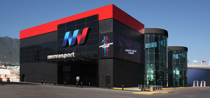 adfad462b7216 Innovasport-flagship-store-by-Watt-International-Monterrey-Mexico. La  cadena mexicana Innovasport estrenó la tienda deportiva más grande en  Latinoamérica.