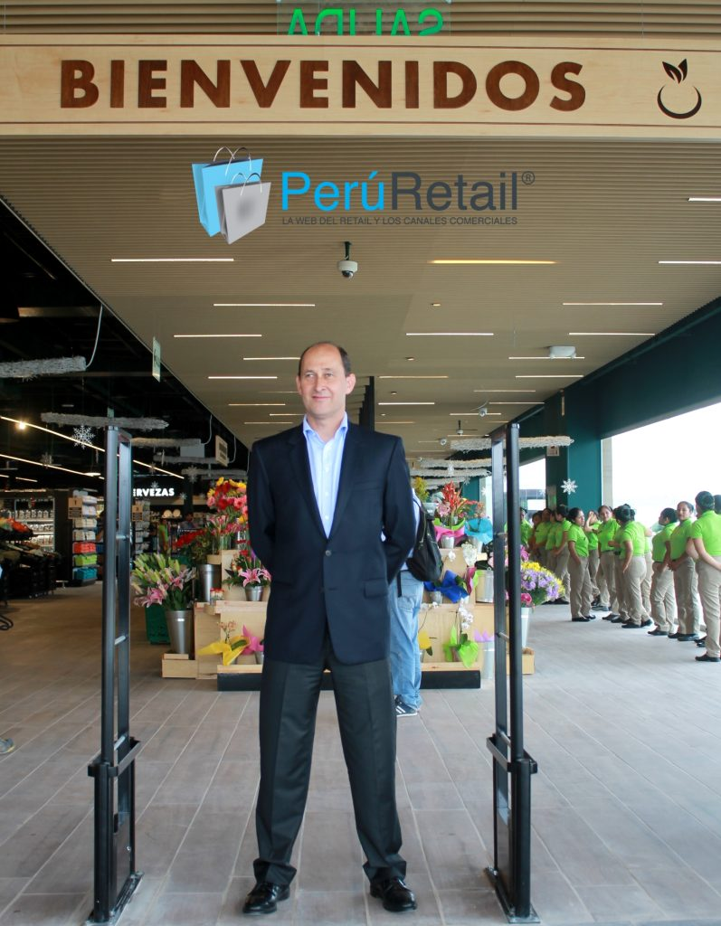 """Juan Carlos Vallejo Blanco Intercorp Retail 16 Peru Retail 2018 797x1024 - Intercorp Retail: """"De cara al futuro, Mass será un formato de mucho potencial"""""""