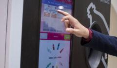 K7A4444 240x140 - Conoce a EcoBox, la máquina que te premia por reciclar