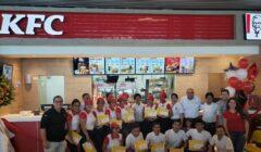 KFC moquegua 240x140 - Estos son los centros comerciales de Moquegua donde KFC aterrizó