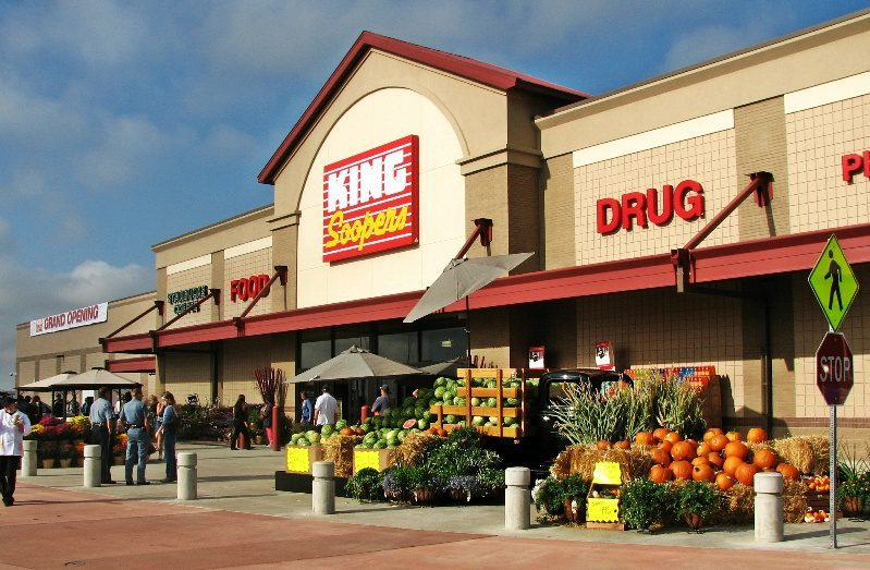 Nov 27,  · King Soopers knocked it out of the Park for us on Thanksgiving. It was a last minute decision to order our Holiday Dinner. The Deli Department was friendly & very informative on helping us pick the right meal for us/5(36).