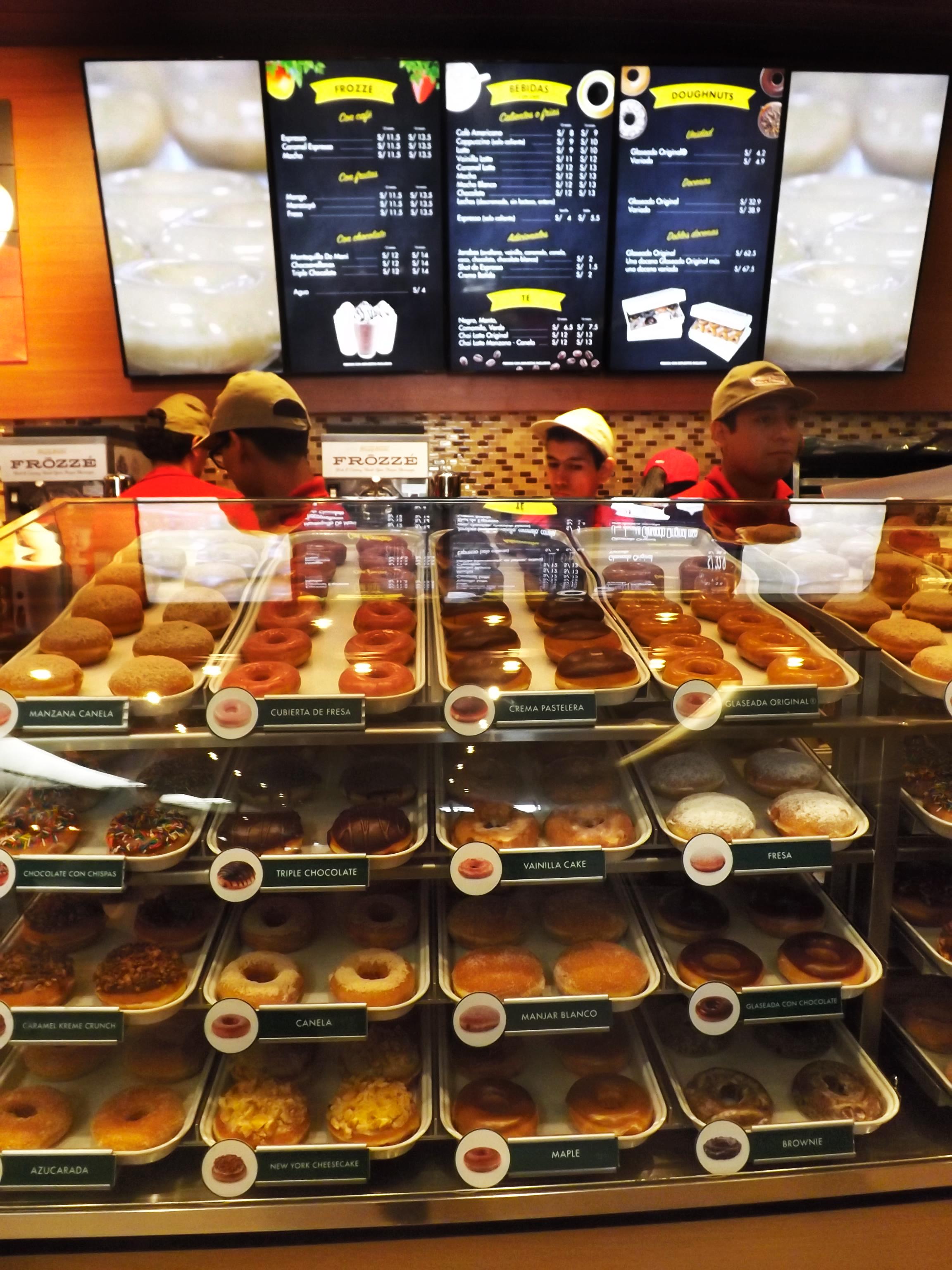Krispy Kreme Perú Retail 19 - Conozca por dentro la tienda Krispy Kreme más grande del mundo