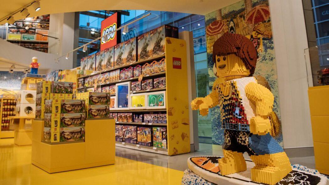 LEGO PERÚ RETAIL - LEGO abrirá en Plaza San Miguel su tienda certificada más grande del Perú