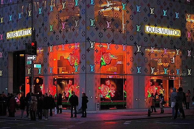 Louis Vuitton La Quinta Avenida Nueva York - Conoce las calles donde se impone el visual merchandising