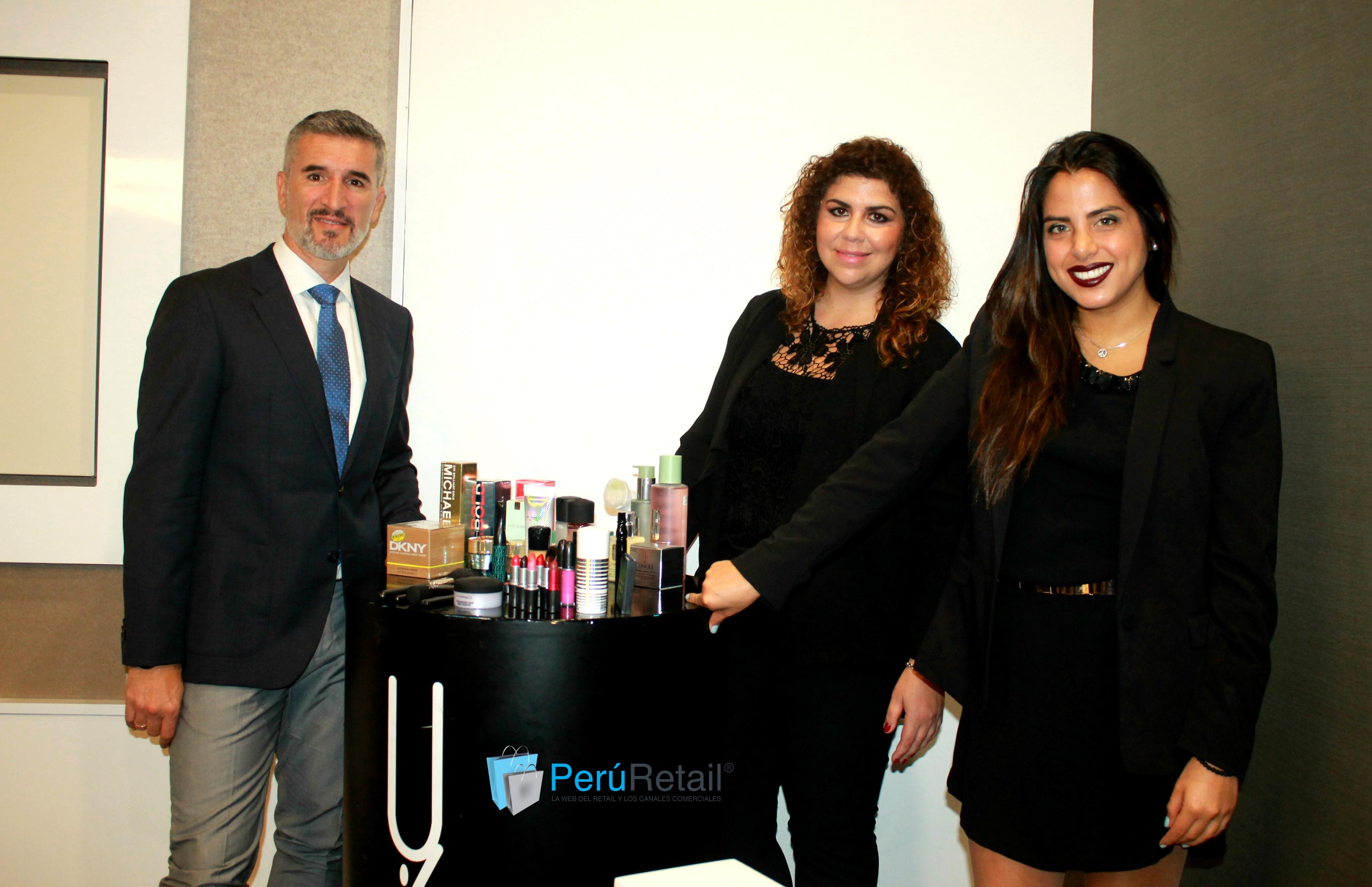 MAC Cosmetics 12 - peru retail