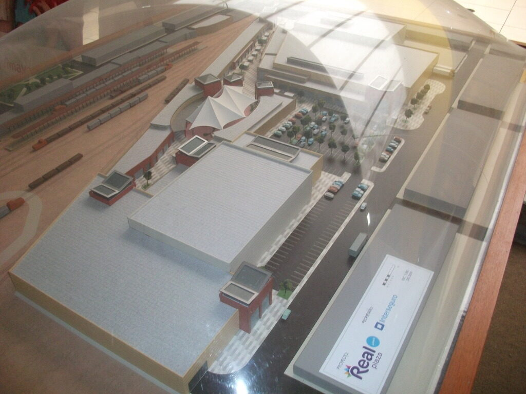 MAQUETA REAL PLAZA JULIACA PERÚ RETAIL 1024x768 - Comerciantes financiarían construcción del segundo centro comercial en Juliaca