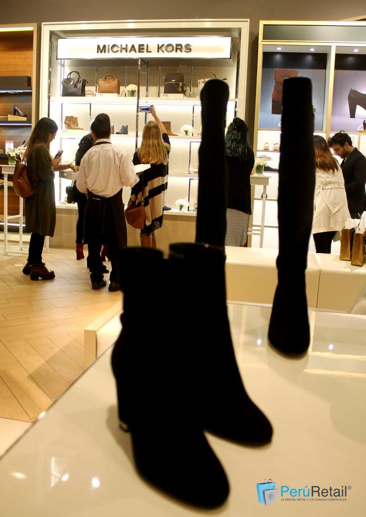 Michael Kors llega con su línea de calzado a Saga Falabella  ecbb8f4a897