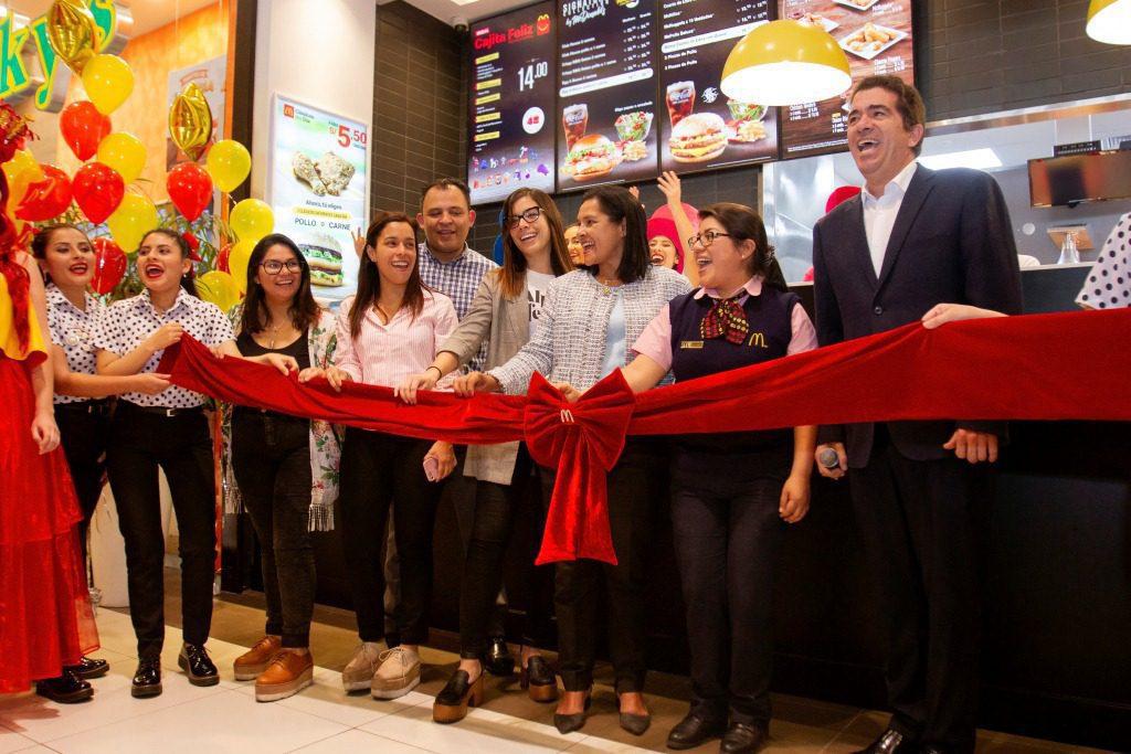 McDonalds Mall del sur 3 - McDonald's abre su restaurante Nº 30 en el mercado peruano
