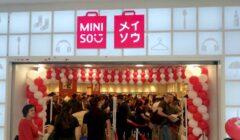 Miniso ecuador 240x140 - Perú: Miniso abrió su primera tienda en provincia