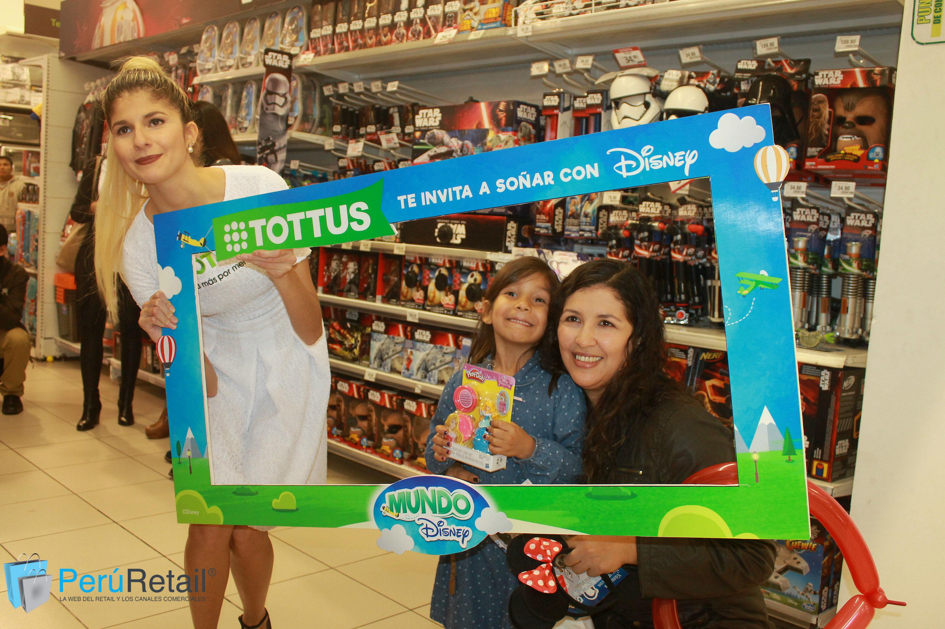 "Mundo Disney 10 - Conozca por dentro la primera tienda ""Mundo Disney"" en Perú"