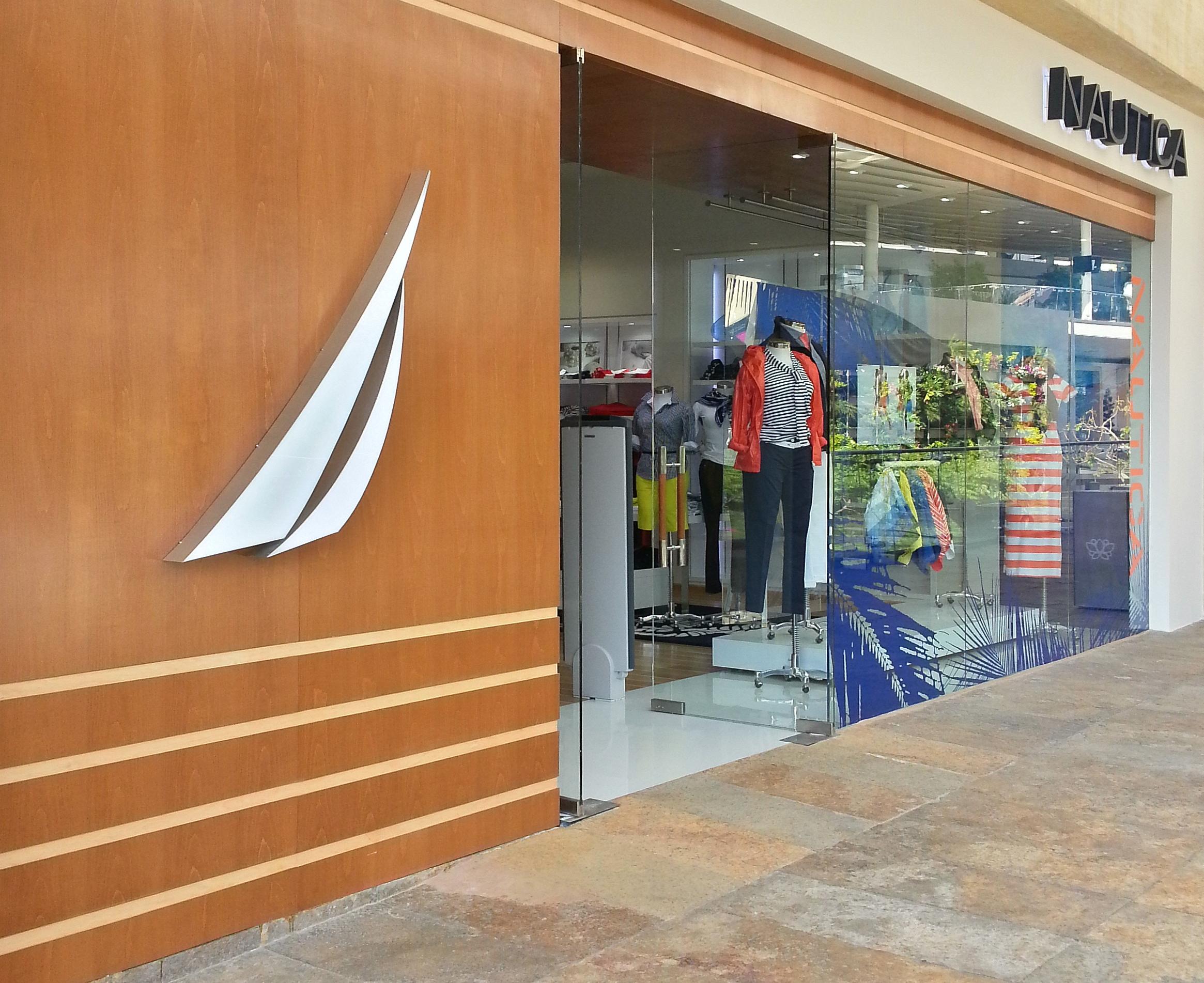 NAUTICA.Fachada - Nautica inaugurará su quinta tienda en el centro comercial Parque La Colina