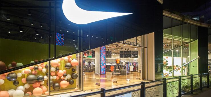 Nike1 1 740x340 - Perú: Conoce la primera tienda experiencial de Nike para deportistas