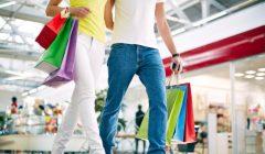 Novios de alquiler en centros comerciales China 240x140 - Centros comerciales en China alquilan novios para ir de compras