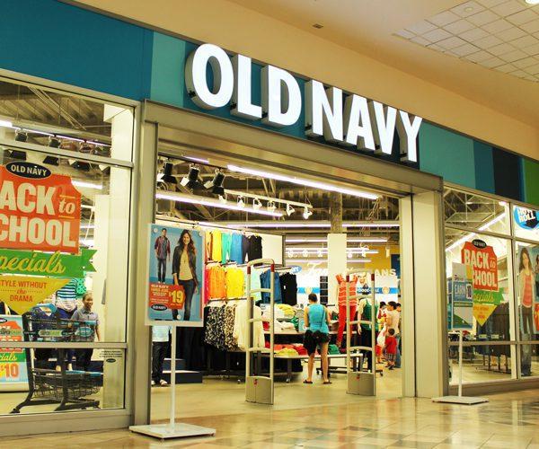Old Navy sales plunge - Gap apuesta por Old Navy con la apertura de 60 tiendas en este año