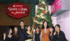 Olga Zumaran con el equipo organizador y anfitriones 240x140 - Panorama Hogar inicia su campaña navideña
