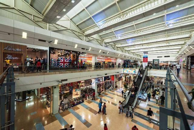 PERSPECTIVAS DE LA INDUSTRIA DE CENTROS COMERCIALES Y EL RETAIL EN AMÉRICA LATINA 1 FUENTE ICSC - ¿Sabías que Chile es el país con más malls en Latinoamérica?