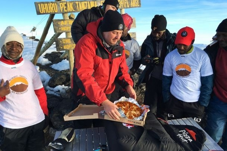 Pizza Hut rompe record Guinnes