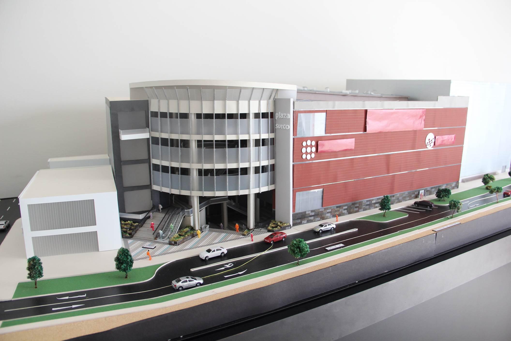 Plaza Surco 1 - Metro y Tottus negocian ingreso a mall Plaza Surco