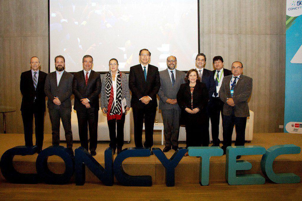 Presidente y organizadores CONCYTEC - Perú: Presidente Vizcarra incrementará presupuesto 2019 para ciencia e innovación