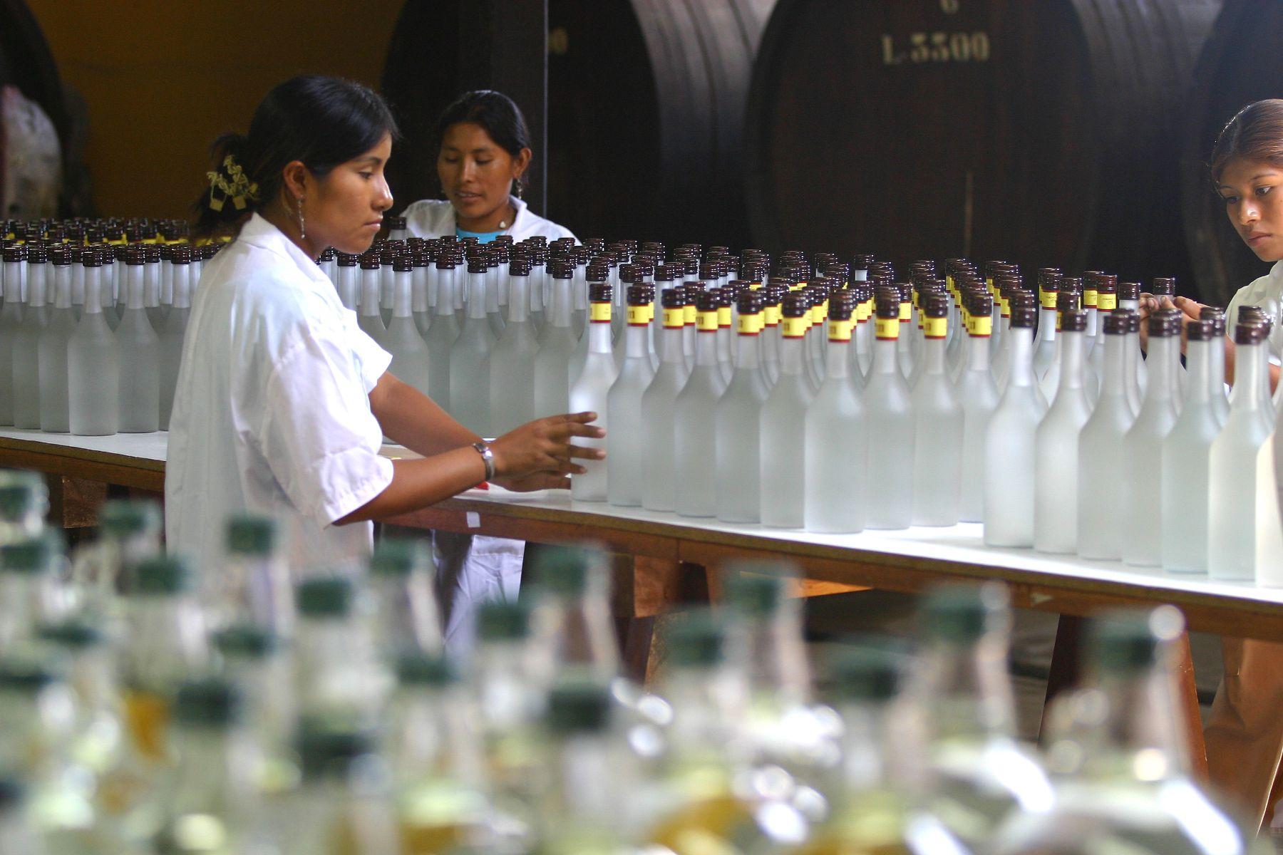 Producción pisco Perú