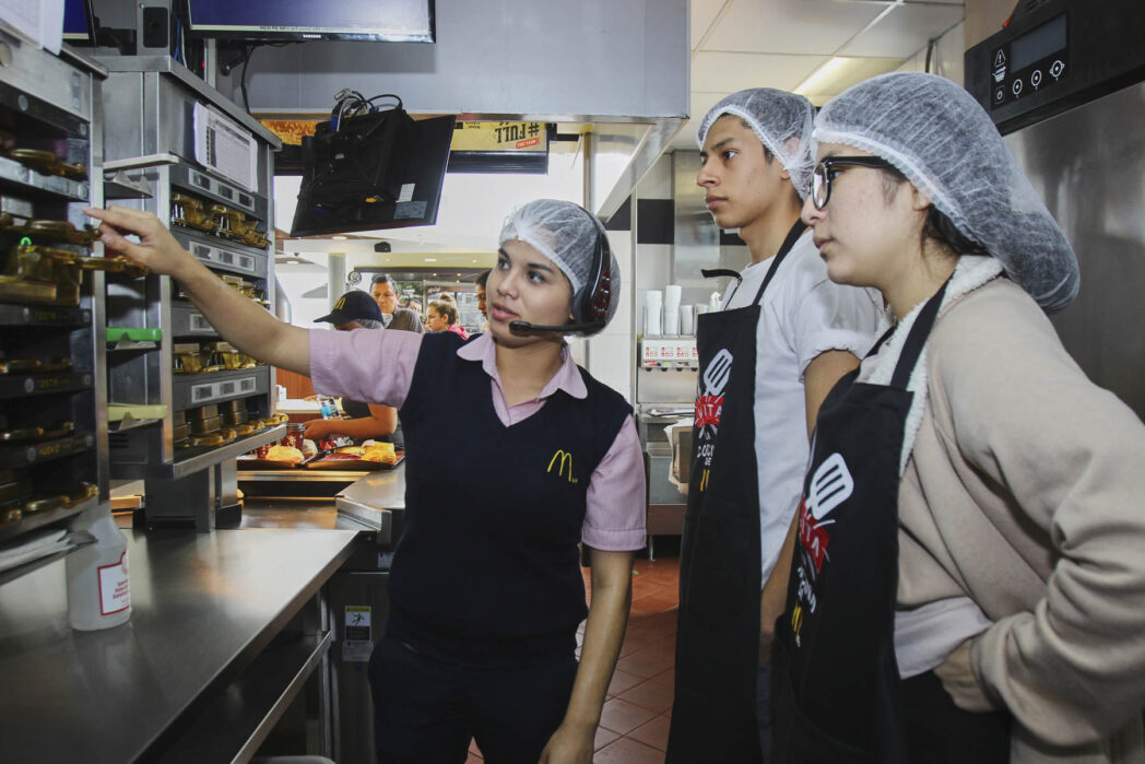 Puertas Abiertas - McDonald's apuesta por derribar mitos abriendo las puertas de sus cocinas