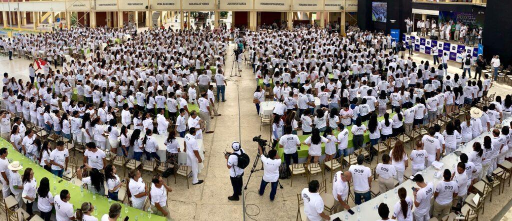 RECORD GUINNESS PISCO PERÚ RETAIL 2 1024x443 - Récord Guinness: cerca de 900 personas prueban el pisco