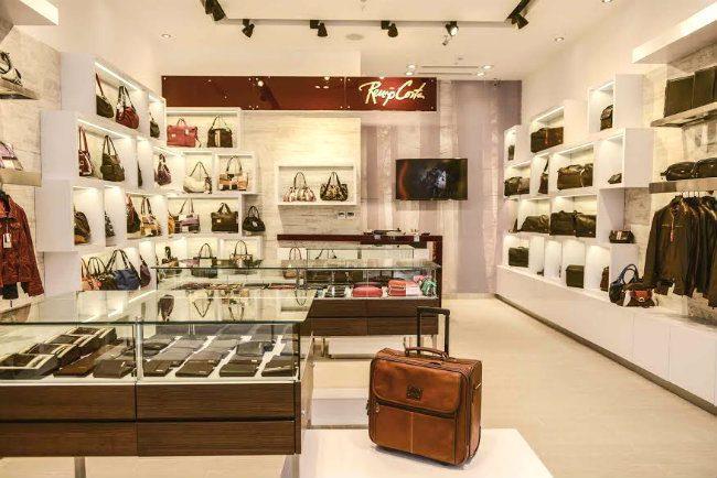 Renzo Costa continúa con expansión y abrió tienda en Minka