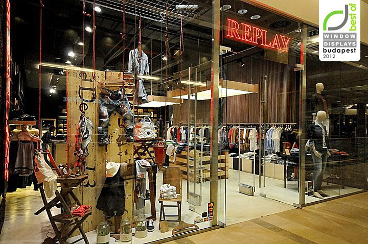 Replay-window-displays-Budapest