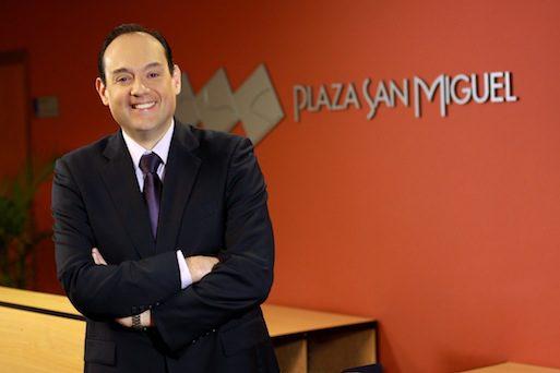 Ricardo-Ruiz-Plaza-San-Miguel-Peru-Retail