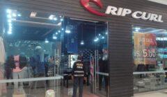Rip Curl Jockey Plaza acusada 240x140 - Tienda Rip Curl en el Jockey Plaza no estaría autorizada para vender la marca