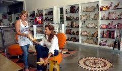 Ropa y Calzado 5 240x140 - Perú: Consumidores prefieren comprar calzados en tiendas departamentales y especializadas