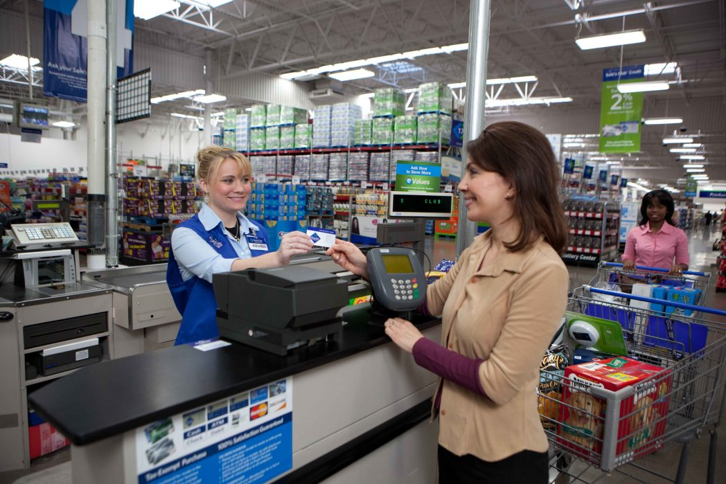 Sam's_Club_member_purchases_register