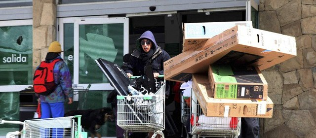Saqueos en Chile - El retail en Chile: el panorama incierto de un comercio en auge