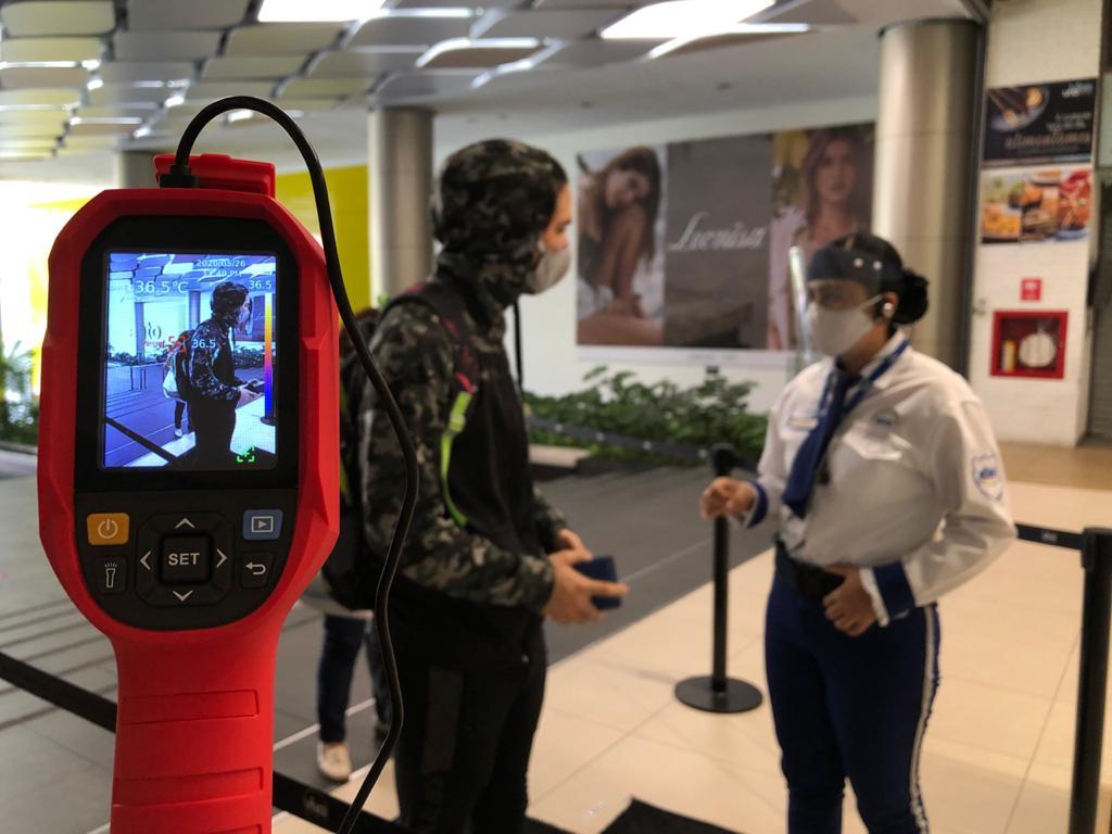 Temperatura - Colombia: Centros comerciales Viva abren sus puertas con estrictos protocolos de seguridad