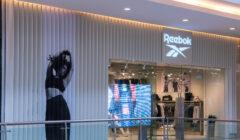 Tienda Exterior Reebok 240x140 - Reebok abre nueva tienda dedicada a la mujer en Panamá