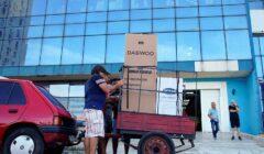 Tienda en Cuba 240x140 - Cuba abre tiendas con artículos en dólares
