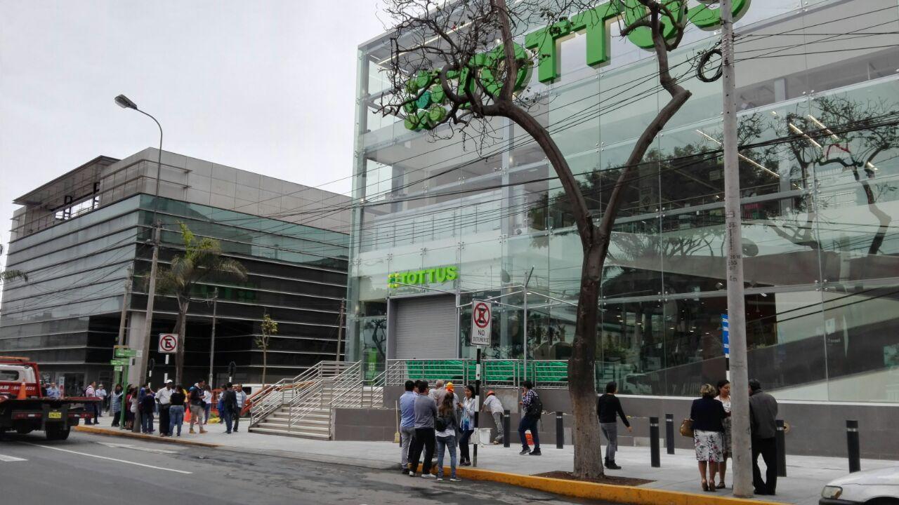 Tottus Miraflores 2 - Perú: Tottus abre una de sus tiendas más grandes en Real Plaza Puruchuco