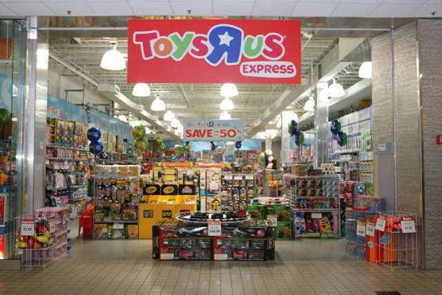 toys-r-us-pop-up-store