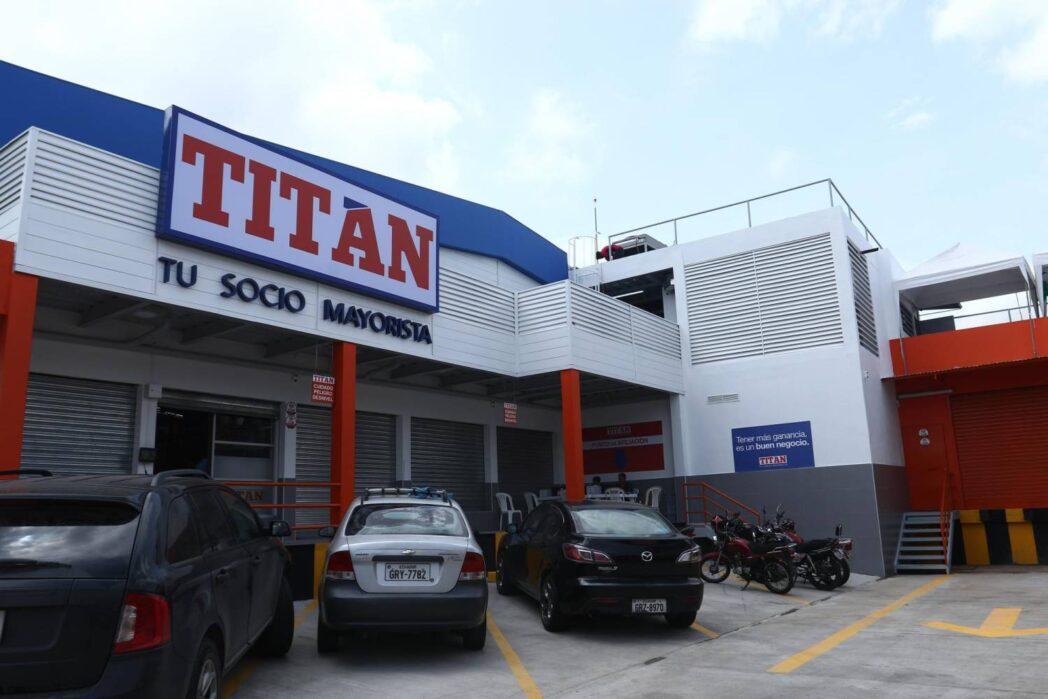 Tuti - Ecuador: Corporación Favorita y El Rosado compiten con nuevos modelos de negocio