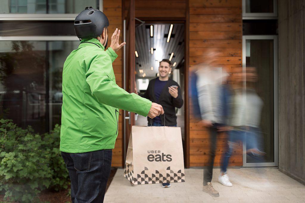 Uber Eats. 1024x682 - Conoce la app que te permite realizar compras mientras estás en el Uber
