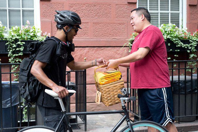 Uber lanza servicio de entrega de encomiendas a domicilio