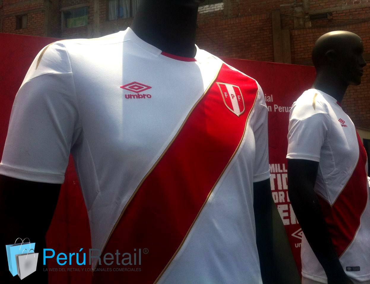 Umbro FPF Peru Retail - Umbro presentó la nueva camiseta de Perú para el Mundial Rusia 2018