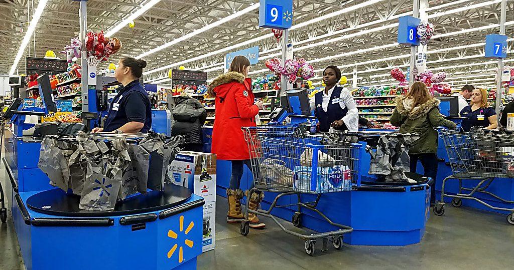 WALMART entregas 1024x539 - Beneficios netos de Walmart caen casi un 30% en el primer trimestre del 2018