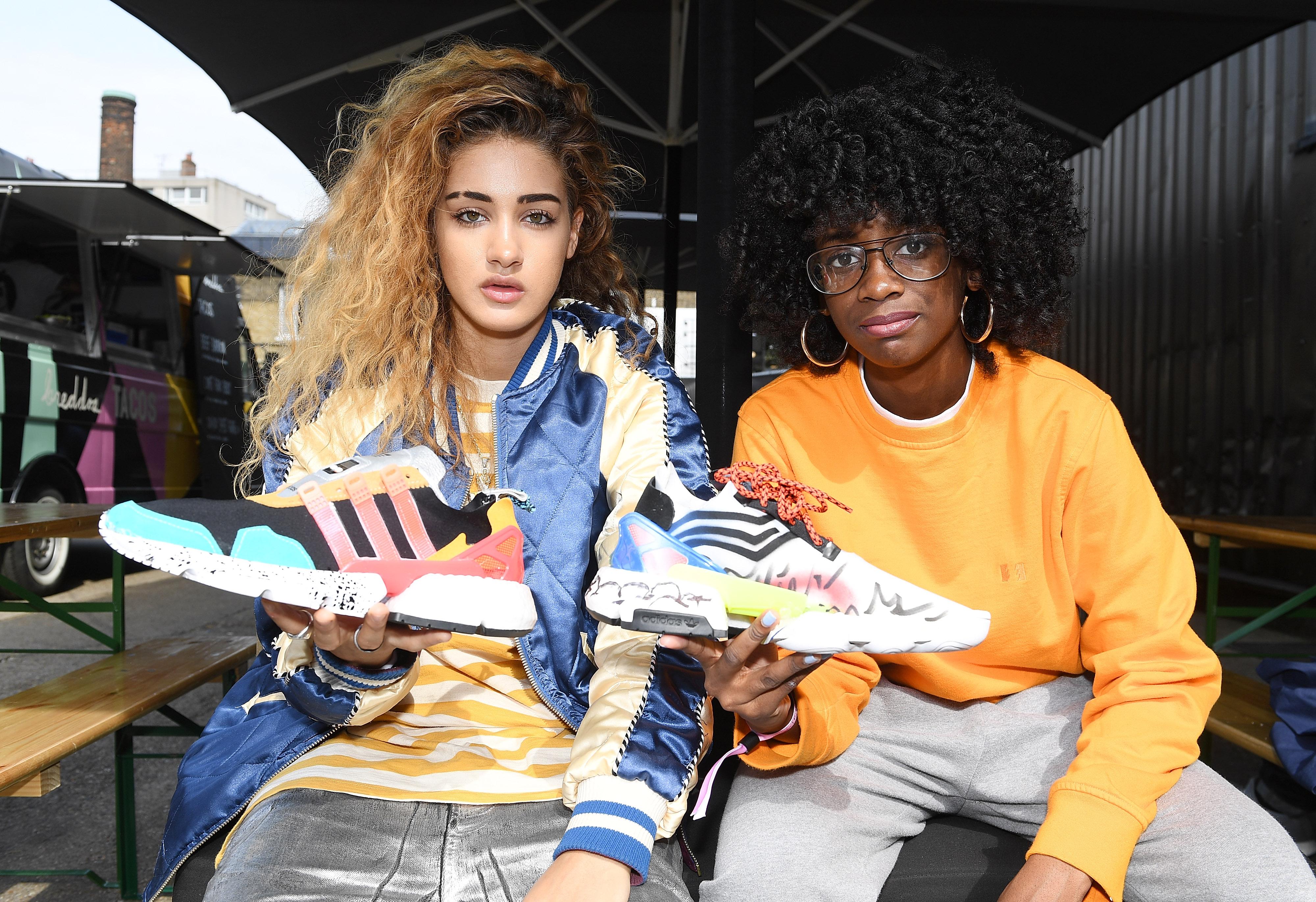 adidas SELECTS SW0824 - adidas Originals lanza nuevo modelo de zapatilla
