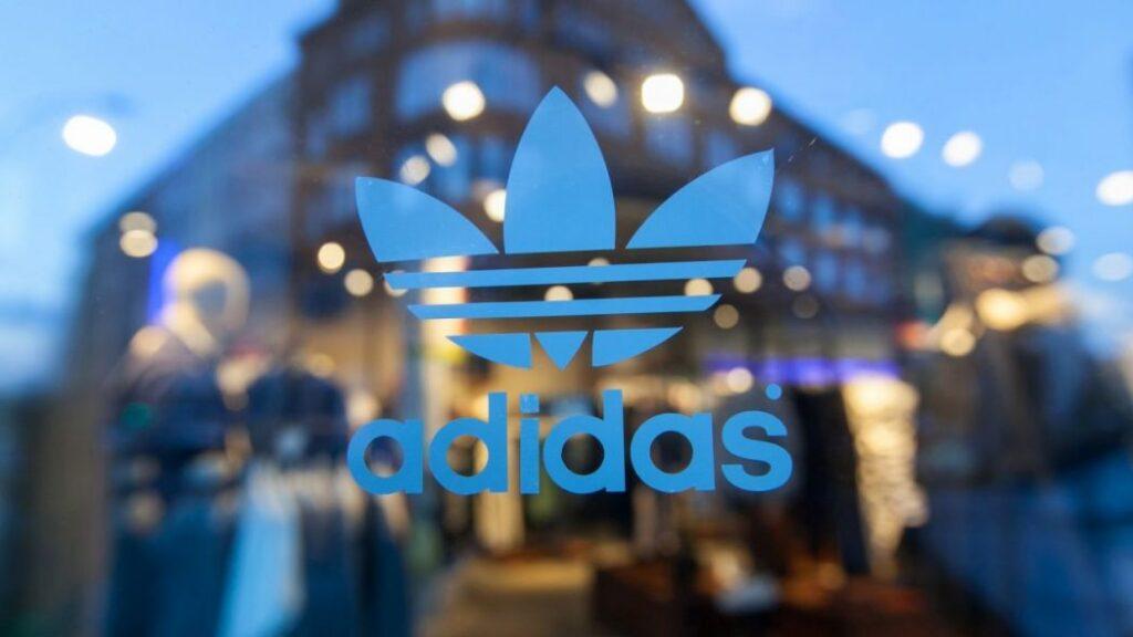 adidas ventas 1024x576 - [Parte II] Conoce el nombre de algunas marcas famosas