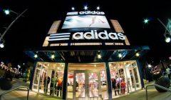adidas tienda 620x350 240x140 - Adidas registra un récord de ingresos en el 2017