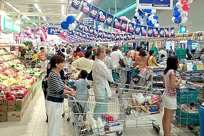 amas de casa comprando en supermercado - Amas de casa entre 35 y 49 años de edad son las que más incrementaron el gasto en la canasta