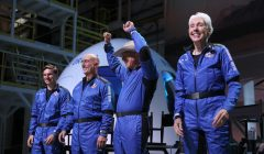 amazon Jeff Bezos' Blue Origin New Shepard Space Vehicle Flies The Billionaire And Other Passengers To Space