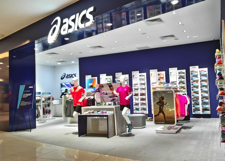 asics vivo1 768x550 - Under Armour y Asics abrirán tiendas propias en Argentina