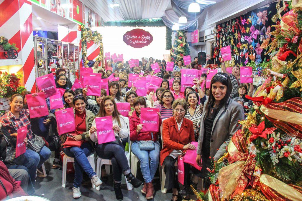 asistentes taller decoracion de arboles 1024x683 - Panorama Hogar inicia su campaña navideña